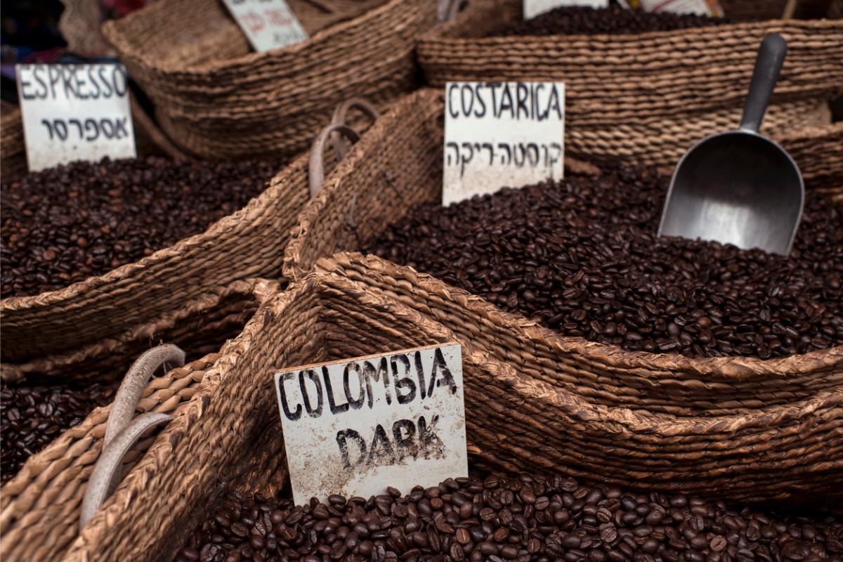 Geröstete Kaffeebohnen aus aller Welt