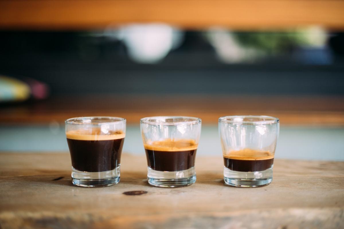 3 Gläser mit Espresso