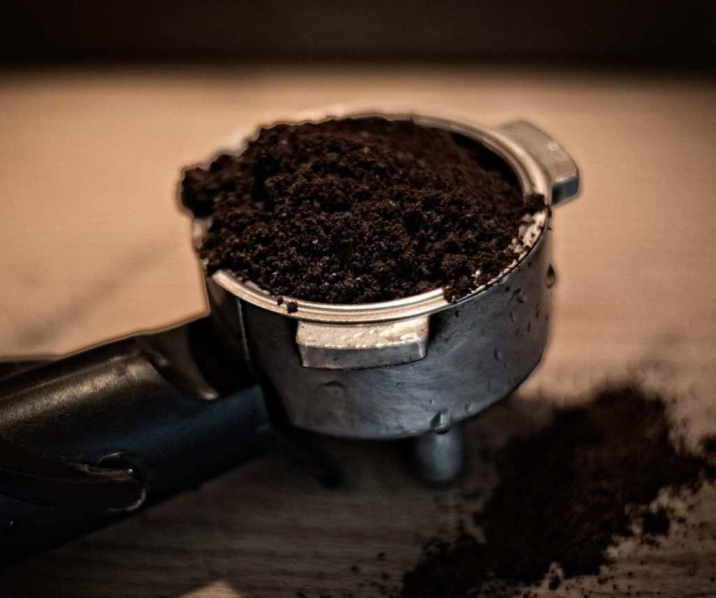 Kaffeesatz im Siebträger