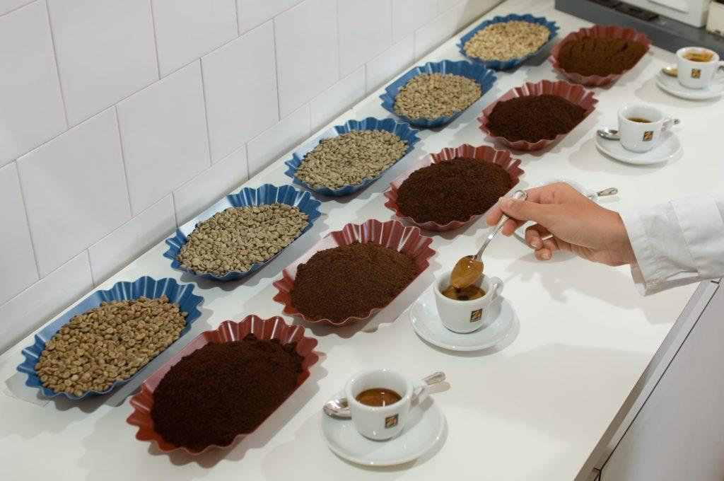 Sensorische und Physikalische Kaffeeverkostung